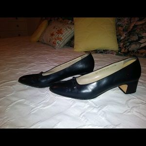 Salvatore Ferragamo heels size 9 1/2!!!